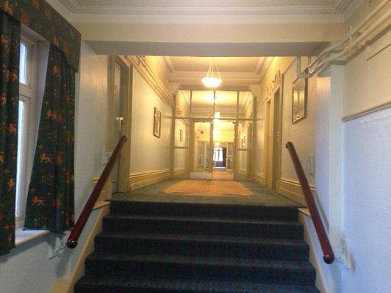 Britannia Prince of Wales - Southport : The corridor.