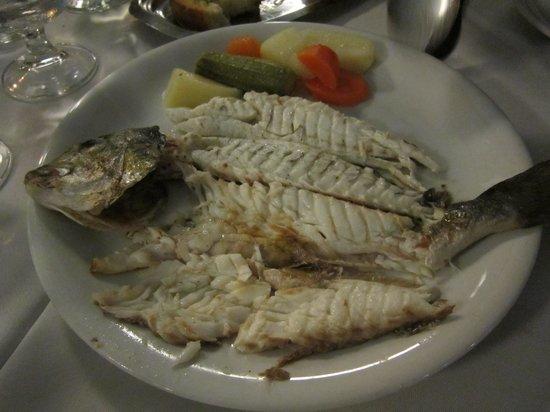 Arsenis Taverna Iseris : The deboned fish