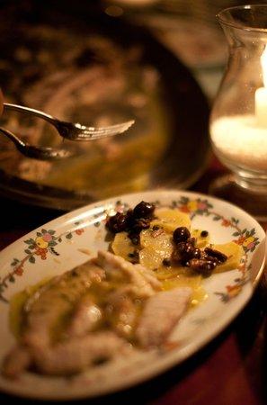 Terrazza Brunella: Pesce al forno con olive nere e patate