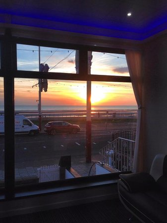 Funky Towers: Lovely sunset from the bar