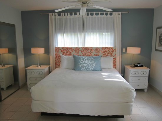 Beach House Turks & Caicos: Comfy Bedroom