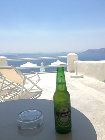 Oia Suites : Welcome drink on our balcony