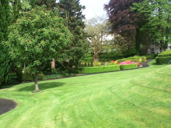 Laura Ashley Hotel The Belsfield : Front Garden - 10 May 2014