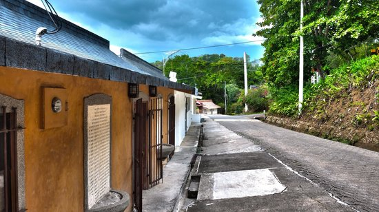 Hotel & Club Punta Leona: House that border Playa Blanca Coast