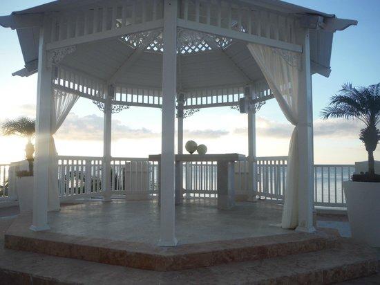 Cozumel Palace: Wedding gazebo