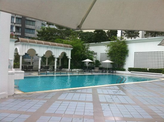 Hotel Istana: PISCINE
