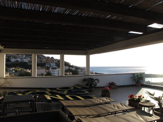 Hotel Cala Luna : Lever de soleil du toit solarium photo 1 sur 3