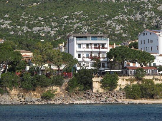 Hotel Cala Luna: L'hôtel de la mer
