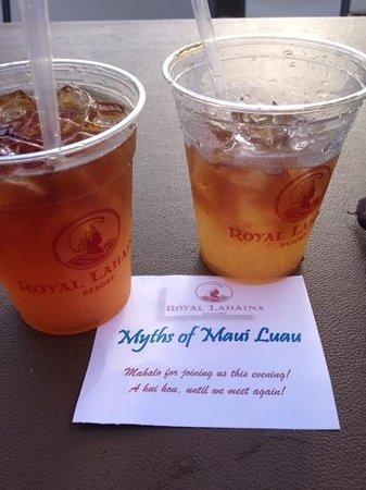 Royal Lahaina Luau: mai tais