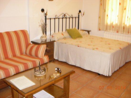 Apartamentos Rurales Valle del Guadalquivir: Interior habitación doble