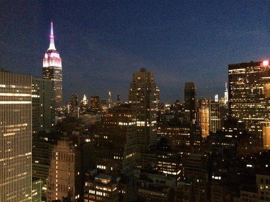 Hilton Times Square: Vista notturna dalla camera!