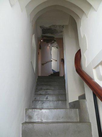 Roch Castle Hotel: Stairwells