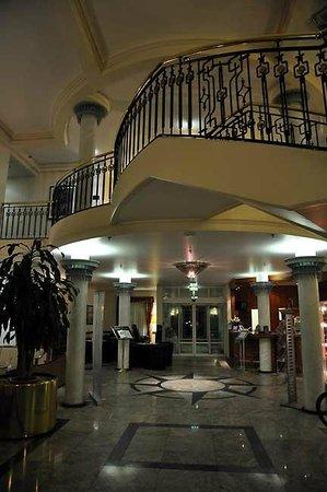 Schlosshotel Grosser Gasthof Van Der Valk Ballenstedt: Lobby