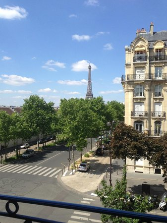 Hotel Duquesne Eiffel : View from Room 35