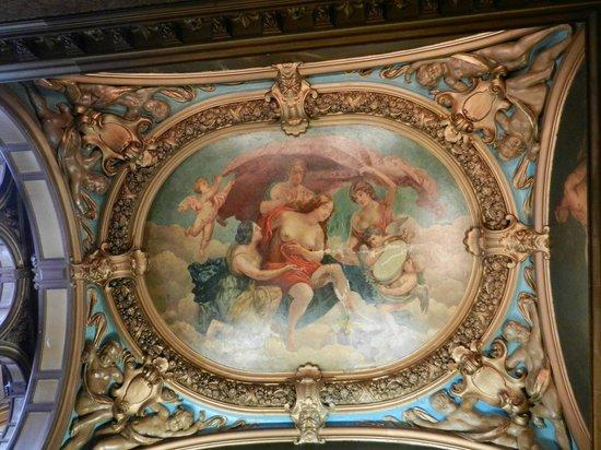 Grand Royale London Hyde Park: vault central hall