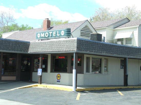 Clay Center KS Cedar Court Motel Office Neon Sign