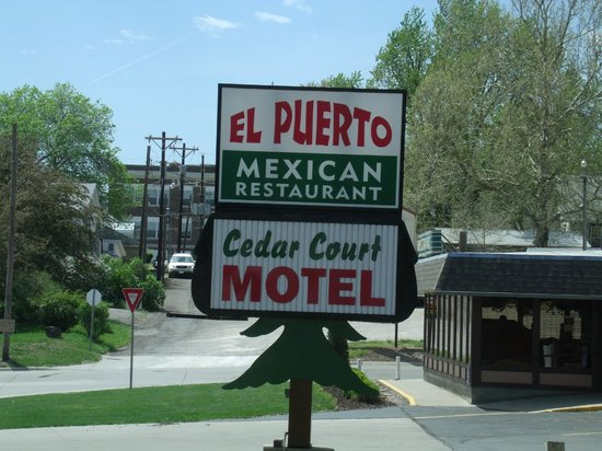Clay Center KS Cedar Court Motel Sign