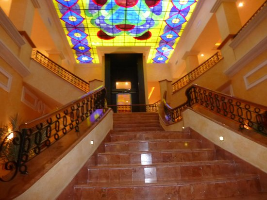 Excellence Riviera Cancun : Stairway from Martini Bar