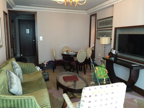 Raffles Makkah Palace : Living Area