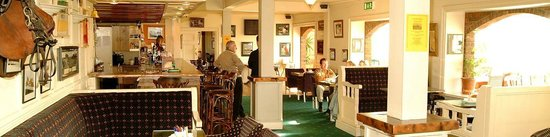 Fernhill Golf and Country Club: Clubhouse Bar & Restaurant