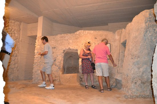 Ancient tomb underneath the Annabelle Hotel