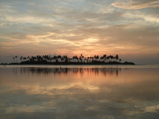 Olhuveli Beach & Spa Resort : Sunrise @ Olhuveli