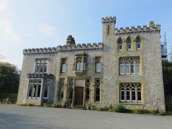 Ffarm Country House: Exterior view