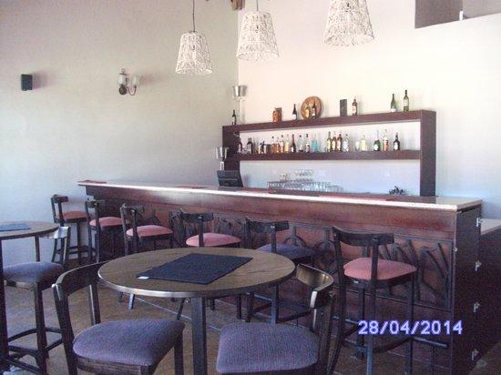 Ekori Lodge: Bar
