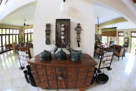 Reef Villa & Spa: Reception lounge main building