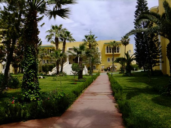 El Hana Palace Caruso Hotel : hotel ground