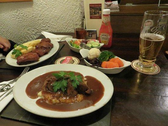 White Lion Inn: Food