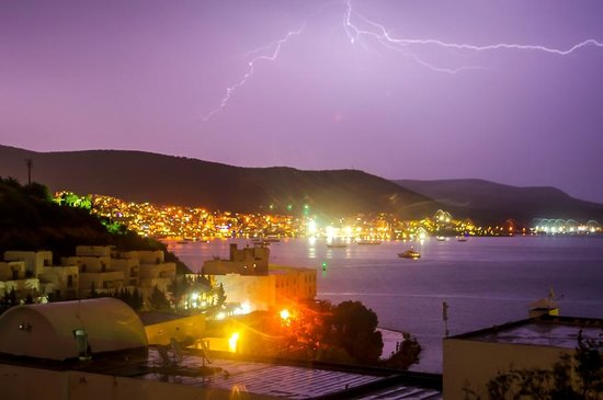 Dolce Bodrum Hotel and Beach club: Electrical Storm. Taken from Hotel Dolce carpark