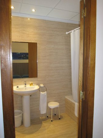 Ses Savines Hotel: BAÑO HABITACION
