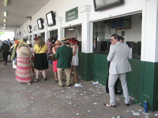 Kentucky derby churchill downs betting windows nguon goc cua buy bitcoins