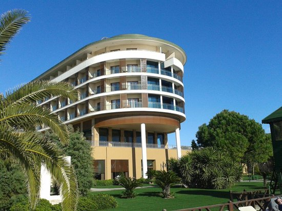 Voyage Belek Golf & Spa: View from outside