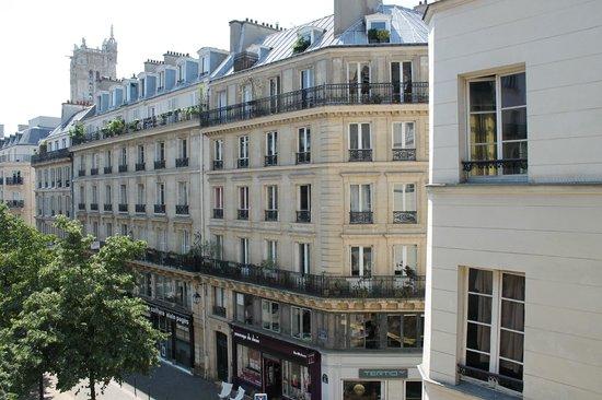 Hotel St Merry : Вид из номера с балкона 3-го этажа
