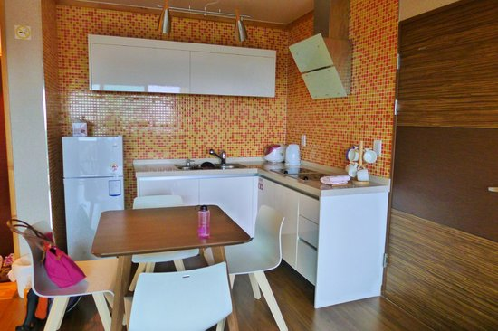 Jejueco Suites : Kitchen - clean and functional