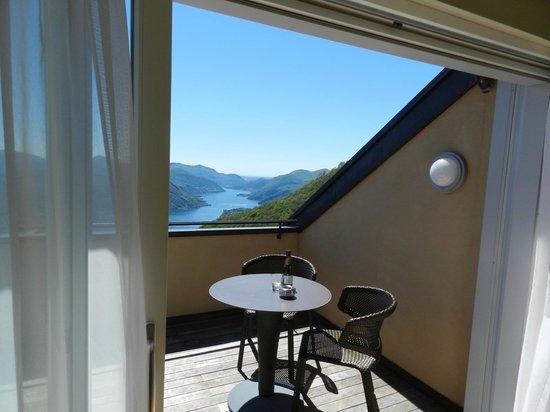 Kurhaus Cademario Hotel & Spa: Terrasse mit Blick auf See