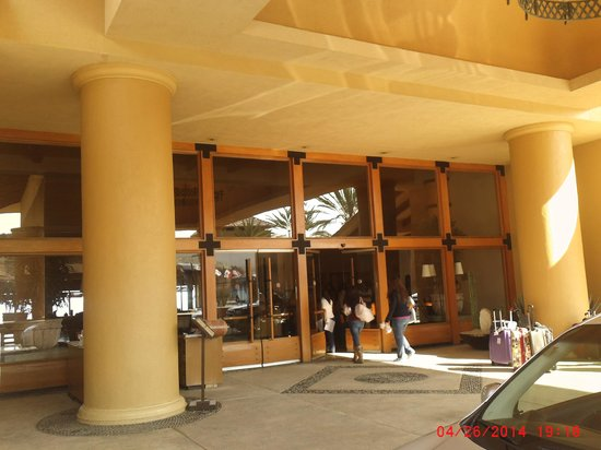 Grand Fiesta Americana Los Cabos All Inclusive Golf & Spa: Front Entrance to FA