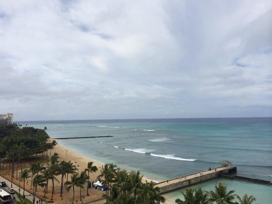 Aston Waikiki Beach Hotel: view from balcony , opposite direction of downtown