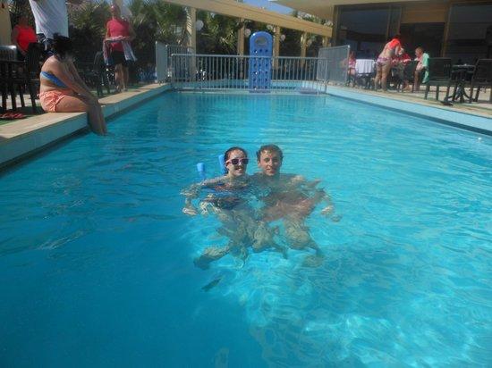 Tuntas Beach Hotel Altinkum: Hotel pool