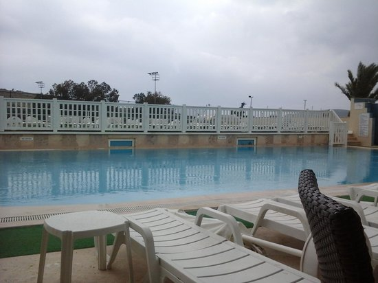 Eken Resort Hotel: pool
