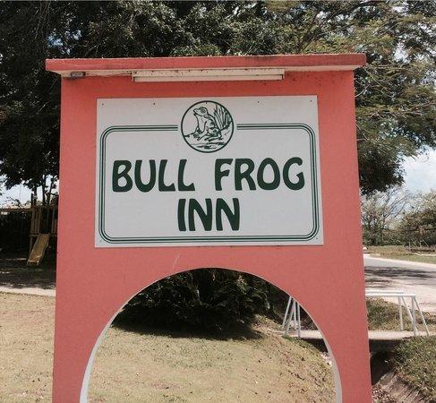 Bull Frog Inn : Hotel Sign