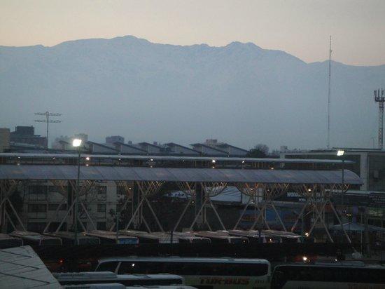 Ibis Santiago Estacion Central : Vista para a Cordilheira dos Andes.