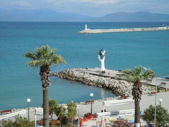 Derici Hotel: The promenade