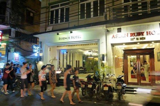 Essence Hanoi Hotel & Spa : Fachada