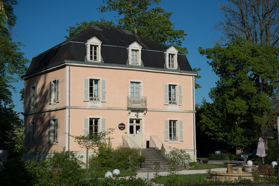 Auberge Cote Riviere : The Hotel, containing breakfast room