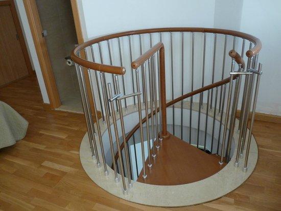 Debambu: staircase again