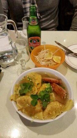 Tricotin : soupe de raviolis, canard laqué et nouilles