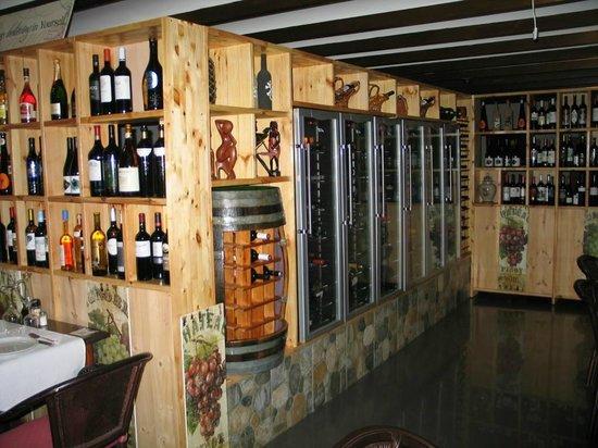 Bambi Gourmet : Los expositores de vino.